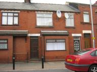 Flat to rent in Halton View Road, Widnes...