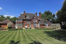 8 bed Detached house for sale in The Green Sidcup DA14