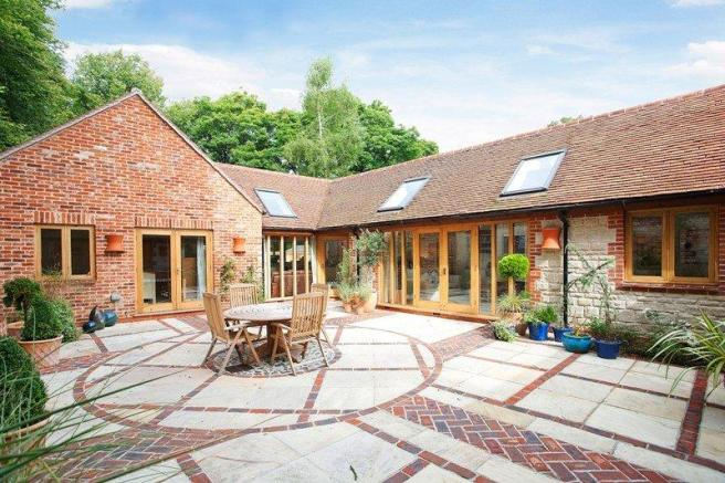 4 bedroom barn conversion to rent in newton valence alton