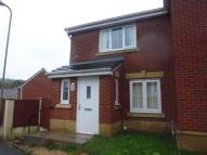 semi detached house to rent in Woodside Drive...