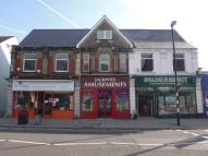 Flat to rent in High Street, Blackwood,