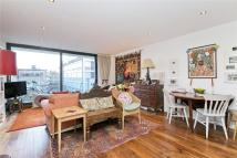 De Beauvoir Crescent Flat to rent