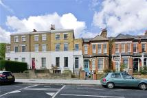 Flat to rent in Parkholme Road, Hackney...