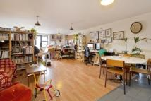 1 bedroom Flat to rent in Mentmore Terrace, London...