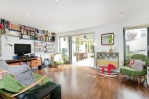 3 bed property in Acer Road, Hackney, E8