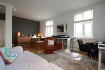 2 bed Flat to rent in Well Street...
