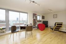 Flat to rent in Merchant Street, E3