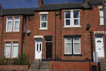 2 bedroom Flat in Gladstone Terrace...