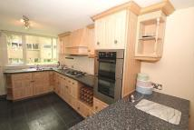 4 bed Town House in Clumber Crescent North...