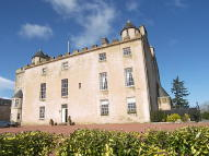 4 bedroom Country House in Wallace Tower...