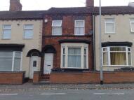 Flat to rent in Newport Street...