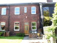 2 bed Town House in Simonburn Avenue...