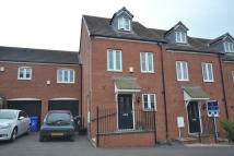 Town House to rent in Burtree Drive...
