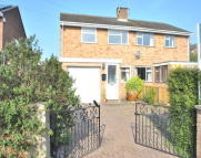 WOBURN semi detached house to rent