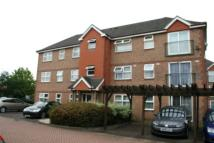 Flat to rent in Dudley Close...
