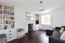 3 bedroom Terraced house in Sunray Avenue, London...