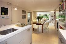 5 bedroom semi detached house in Champion Grove, London...