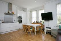 4 bed Apartment to rent in Red Post Hill, London...