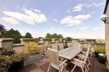 4 bed Detached house in Highland Road, London...