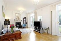 Flat to rent in Underhill Road, London...
