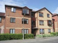 Flat to rent in Whitworth Court...