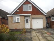 2 bed Semi-Detached Bungalow in Lumb Lane, Audenshaw...
