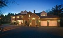 4 bedroom Detached property in Woolsington Park South...