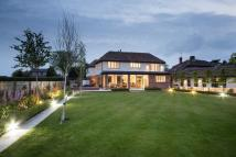 6 bedroom Detached home in North Court, North Road...