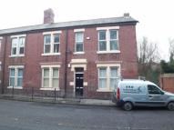 Flat to rent in Killingworth Road...