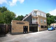 Flat to rent in Limewood Mews...