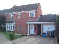Detached house to rent in Edmonds Drive, Stevenage...