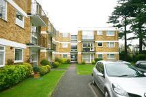 Flat to rent in Village Road, Enfield...