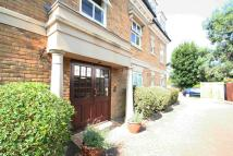 Flat to rent in Frobisher Mews, Enfield...