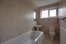 2 bedroom Flat in Gordon Hill, Enfield, EN2