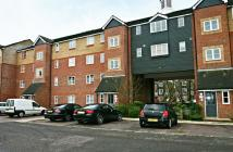 Ground Flat in Sten Close, Enfield, EN3