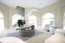 3 bedroom Apartment in The Dome London, N11