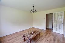 2 bed Flat to rent in Kirkland Drive, London...