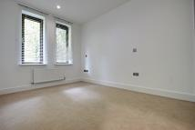 Flat in Southbury Road, London...