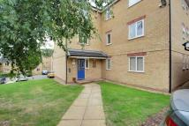 2 bed Flat to rent in Kirkland Drive, Enfield...