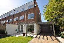 4 bed End of Terrace home in Lindfield Gardens...