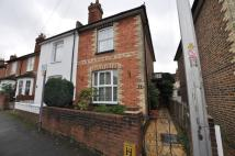 2 bed semi detached home in Queens Road, Guildford