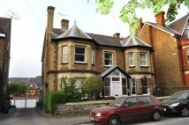 Flat to rent in Dene Road, Guildford...