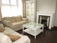 Flat to rent in Pentney Road, Wimbledon...