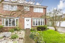 3 bed semi detached house to rent in Avenue Road, Raynes Park...