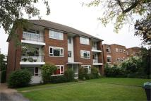 Flat in The Avenue, Surbiton...