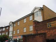 2 bedroom Flat in Pepys Road, Raynes Park...