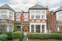 5 bed semi detached house in Twickenham