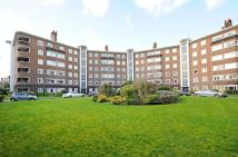 2 bed Flat for sale in Queens Road, Richmond