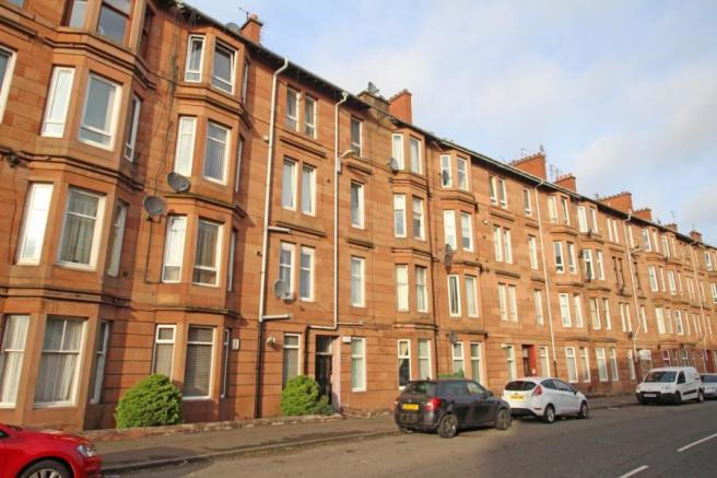 2 bedroom flat for sale in cathcart road mount florida