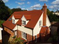 4 bedroom home for sale in Roselands Gardens...